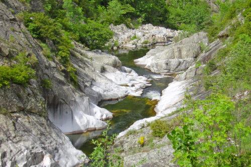 canyon-rochers-riviere-eyrieux-baignade-ardeche