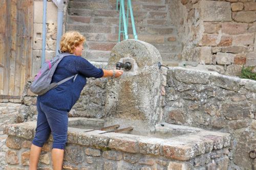 fontaine-pierre-chalencon-village-ardeche