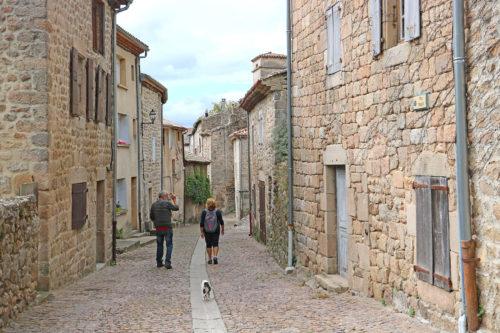 ruelles-pavees-chalencon-village-ardeche