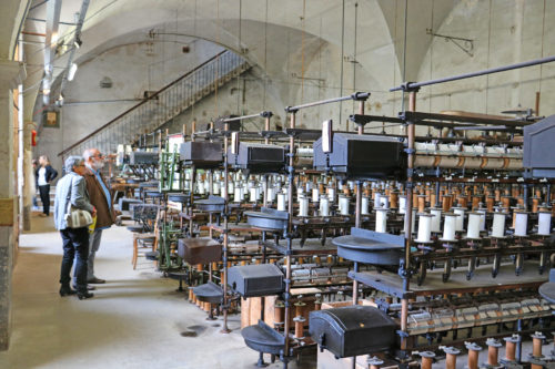 salle-machines-metier-tisser-moulinage-ardeche
