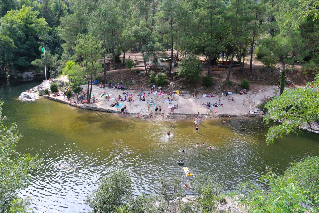 En Ardèche buissonnière, nos criques donnent l'eau à la bouche