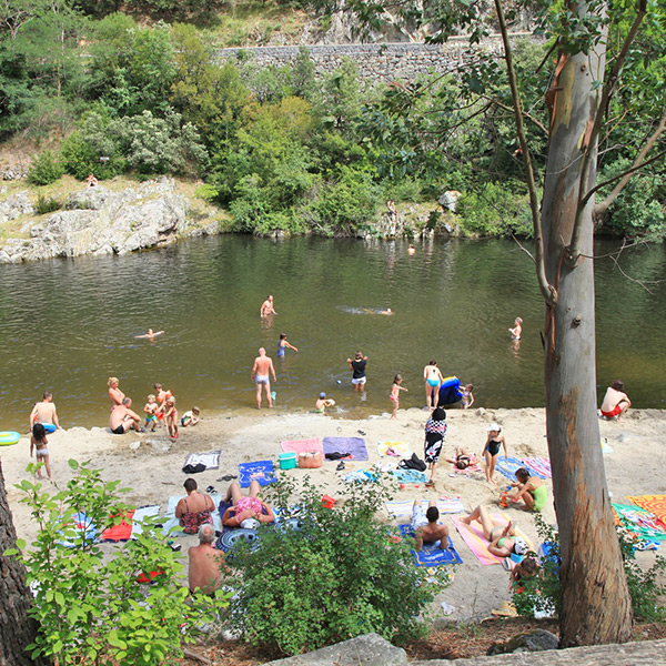 Pools and swimming areas by the river in the Ardèche Buissonnière