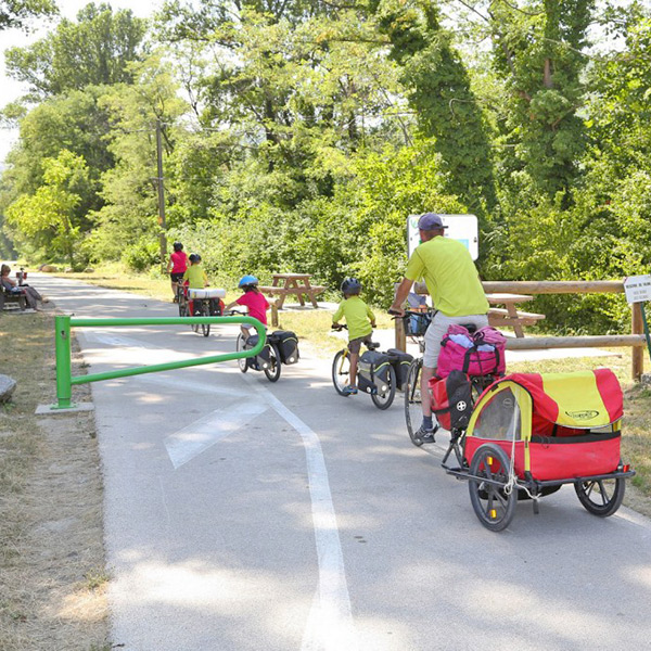 Walking and cycling paths in the Ardèche Buissonnière