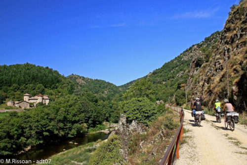 The Dolce Via cycle path along the Eyrieux river in the Ardèche