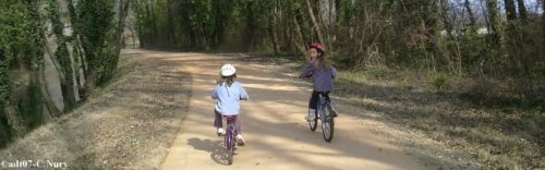 Discover the ViaRhôna cycle path in the Ardeche