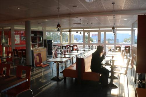 Hotel-Ibis-Ardeche-Buissonniere-dejeuner