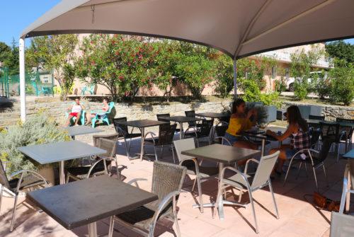 Restaurant-Piscine-Hôtel-Châtaigniers