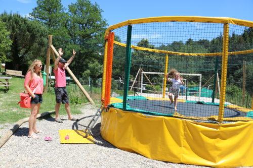 coeur ardèche famille trampoline