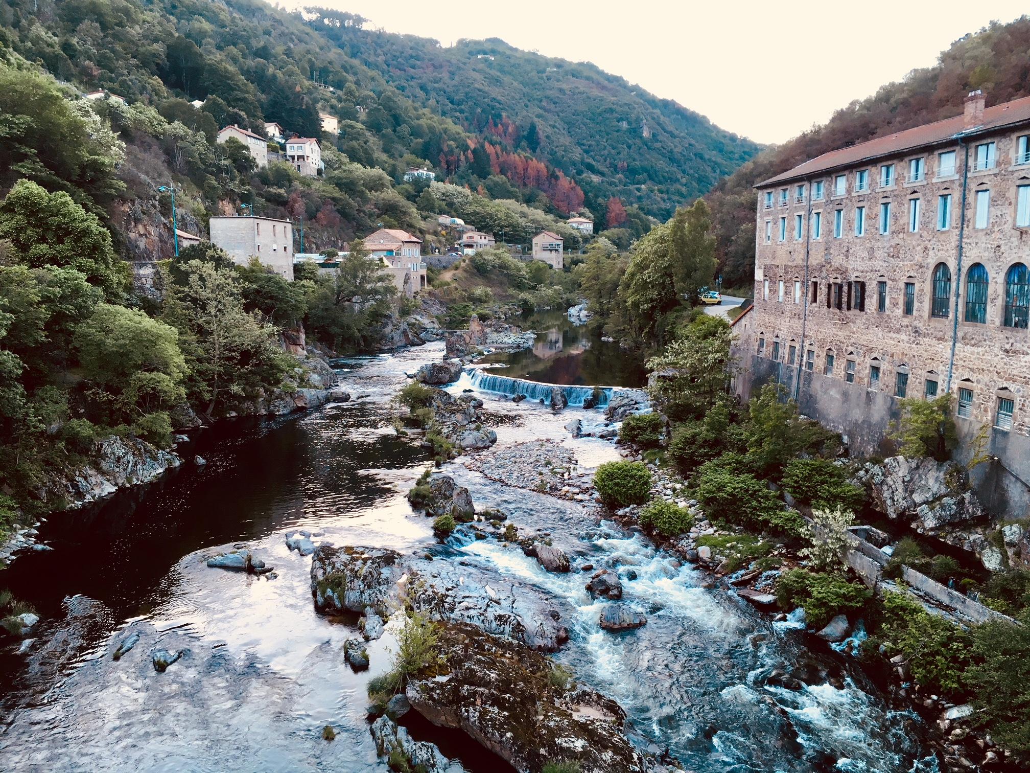 St Sauveur de Montagut, Ardèche Buissonnière.