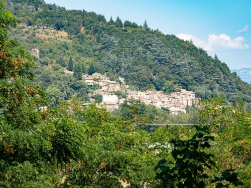 Le village de caractère de Beauchastel, plus beau village d'Ardèche
